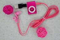MINI clip MP3 Player with Micro SD card Slot with cable and USB and earphone